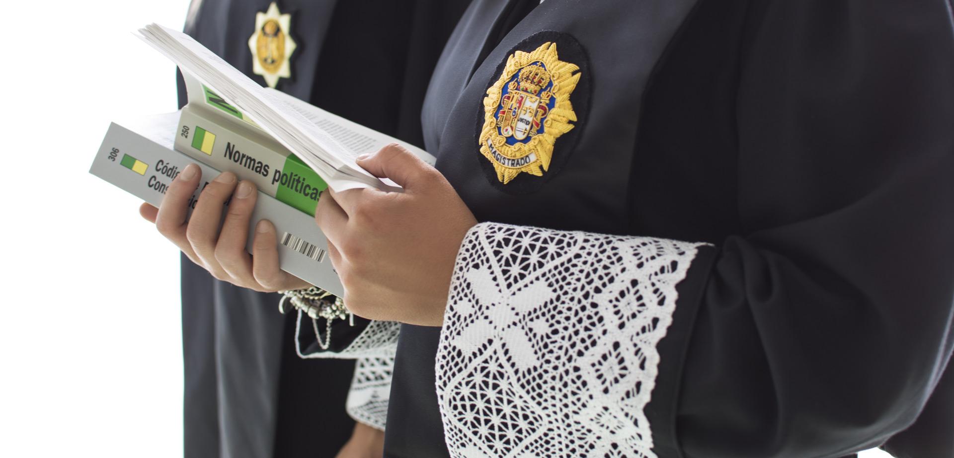 Alumno que estudia el grado de derecho en CEU Andalucía