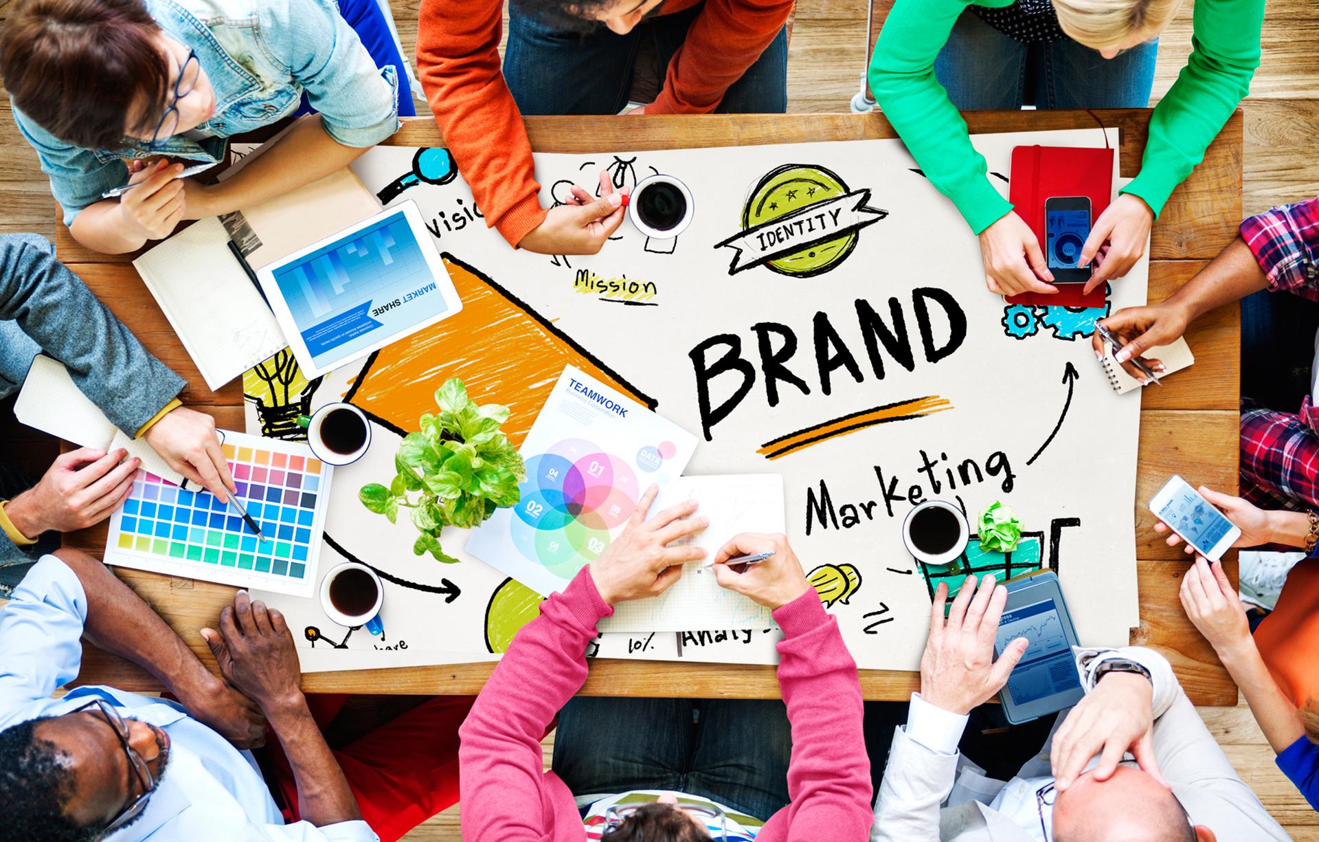Trabajo de grupo de marketing y publicidad